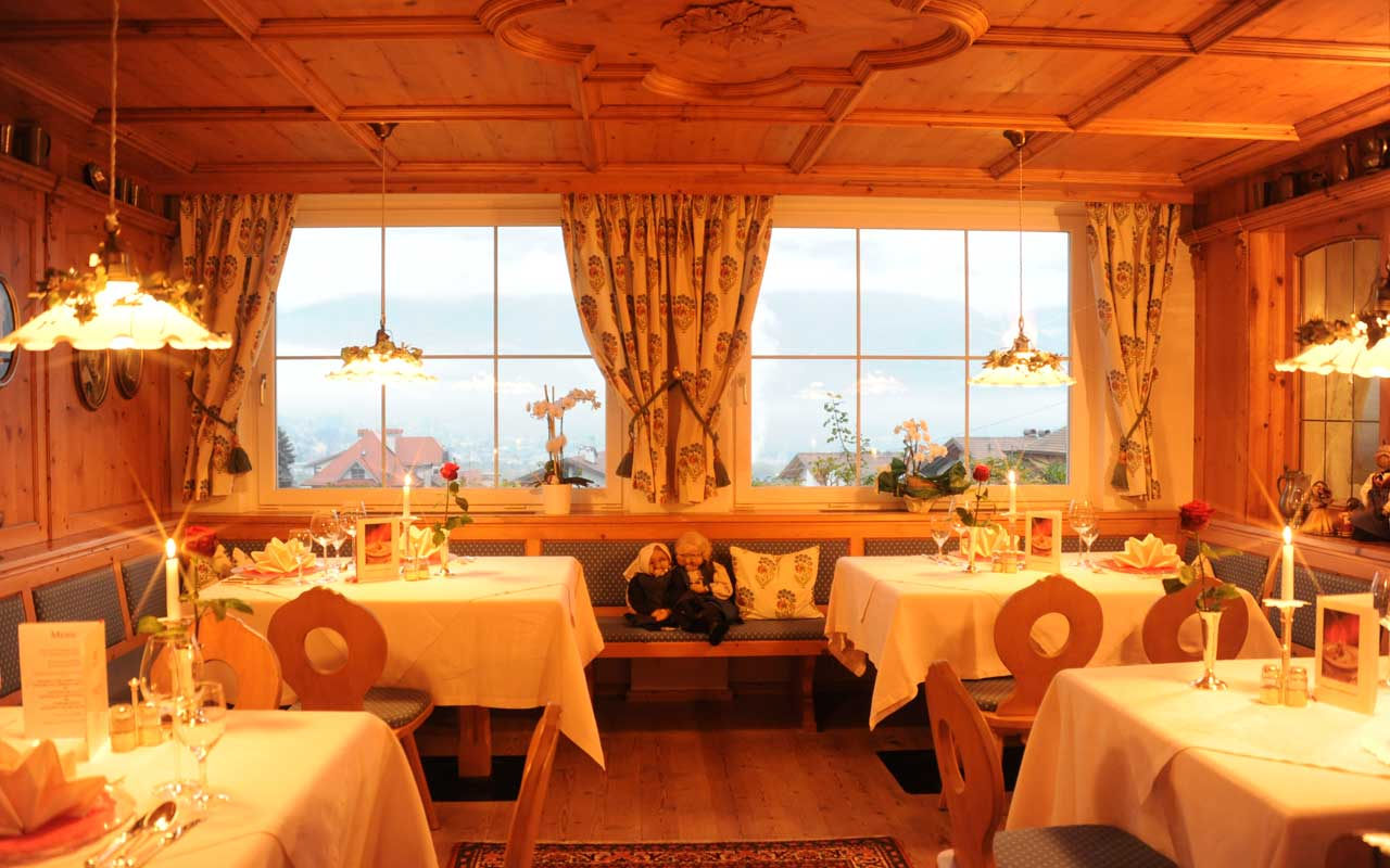 Sala Da Pranzo Arredata In Stile Moderno Jpg Pictures To Pin On  #C87A03 1280 800 Sala Da Pranzo Stile Francese