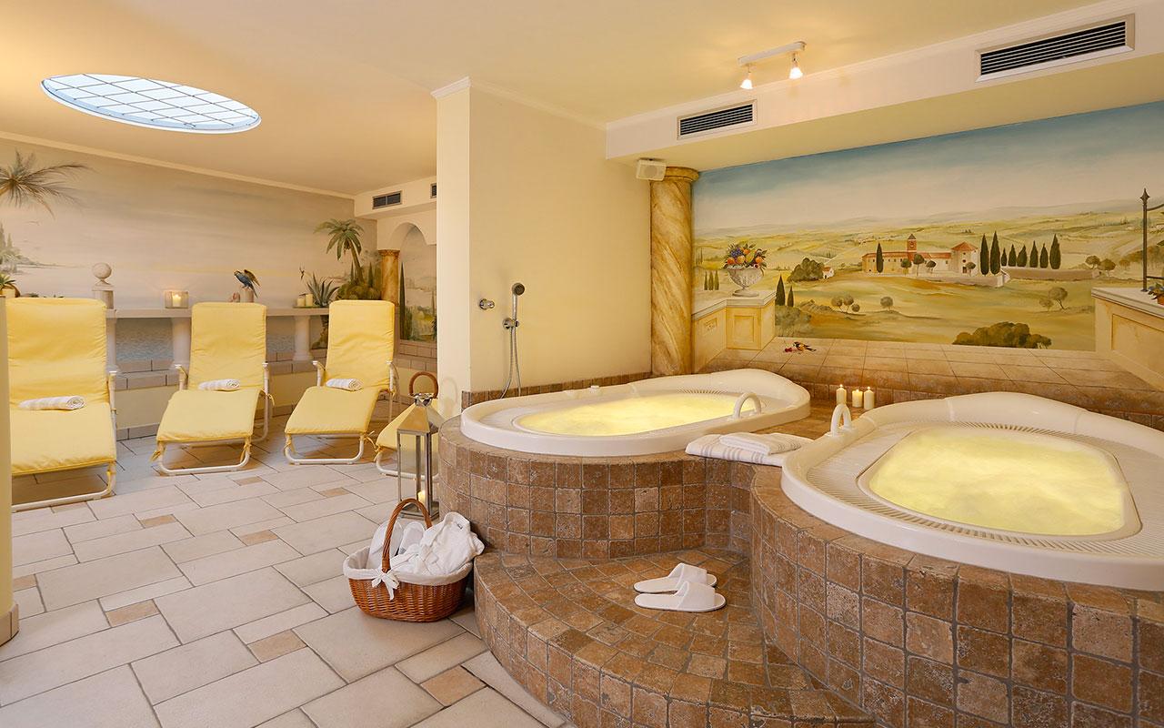 Hotels in meran und umgebung mit pool und therme meran for Design hotel meran und umgebung